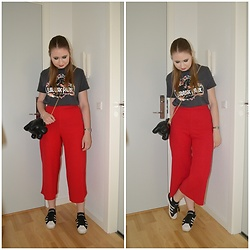 Mucha Lucha - H&M T Shirt, New Look Culottes, Asos Bag, Adidas Sneakers - Dinosaur theme