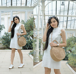 Clara Campelo - Bag, Dress, Zerouv Sunnies - White dress and straw bag