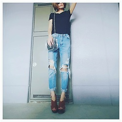 Chii - Asos Jeans, H&M Tee - Clear bag♥