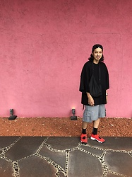 Hideki. Mn - Shoop Burning Cap, Yokosakamoto Knit Big Tee, Shoop Cargo Half Pants, Nike Airrift - Japanese fashion 85