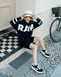 Frankie Miles - Pieces Sailor Hat, Vogue Eyewear Yellow Glasses, G Star Raw Sweatdress, Arizona Vintage Plateau Sneakers - RAW!