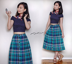 L Z - Guess Crop Top, Vintage Plaid Skirt, Aldo Vintage Cork Wedges - Jackie Burkhart