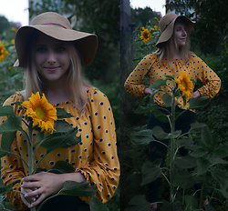 Marionetka - Bershka Yellow Blouse - Almost like fields of sunflowers