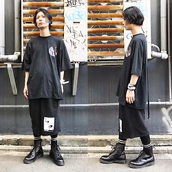 @KiD - Komakino Tee, Komakino Shorts, Dr. Martens Unknown Pleasures, Nonsensical Bracelet - JapaneseTrash423