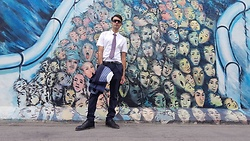 Marco Santaniello - Alan's South Korean Tie, Zara Gessato/Pinstripe, Zara Short Sleeves Shirt - Berlin's wall