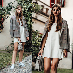 Jacky - & Other Stories Blazer, Zara Dress, Converse Sneakers - White dress, plaid blazer and white platform sneakers