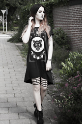 Joan Wolfie - Alchemy Gothic Jewelry Set, H&M Dress, H&M Shoes - Witchy Cat