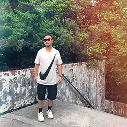 Mannix Lo - Nike Big Swoosh Print Tee, Nike Shorts, Adidas Yeezy 500 Sneakers - You got to Burn to Shine