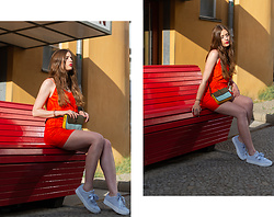 Andrea Funk / andysparkles.de - Puma Sneaker, Vila Skirt - You Should Wear Red