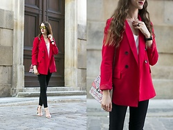 Ewa -  - Red jacket