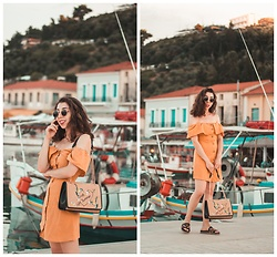 Theoni Argyropoulou - Pull & Bear Off Shoulder Dress, Straw Bag, Sandals - The summer Holiday Dress you need on somethingvogue.com