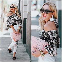 Zia Domic - Cece Tropical Print Top, Hidden Jeans White Denim - Welcome to the Jungle