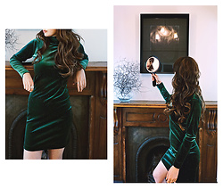 Natalie Jane - Carlson Velvet Green Glitter Dress - Velvetine
