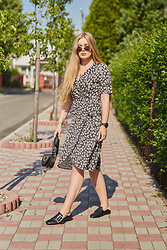 Marta Caban - Zerouv Glasses, Michael Kors Watch, Zaful Dress - Think of Black