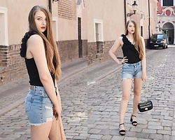 Paulina Kędzierska - Black Body, Shorts, Zara Black Sandals, Black Bag - SEXY BODY IN EVERYDAY STYLING