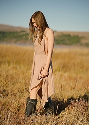 Alyssa Casares - Alyssa Nicole Karlie Dress, Hunter Boots - Hunt & Gather