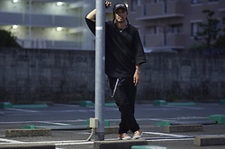 Hideki. Mn - Kollaps Ambient Techno アンビエント テクノ, Minus Wajo Necklace, Yokosakamoto Big Tee, Roundabout Cross Over Bangle, Minus Square Wallat Chain, Shoop Gathering Nylon Pants, Pras Shellcap Color Low Gold - Japanese fashion 86