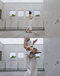 Yuko Tanaka - Lowrys Farm Top And Skirt, Knit Bag, Wood Bangles, Arcopedico Sandals - Linen Dress