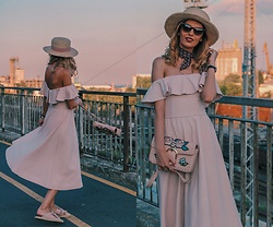 Aneliya Krumova -  - Happy In Pink