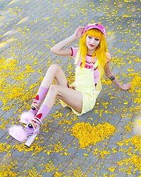 Alina Kireyeva - Lazy Oaf Hat, O Mighty Weekend Powerpuff Top, Dolls Kill Banana Overall, Fixfixfix Blossom, Dolls Kill Fluffy Pink - Share some love 💖💛💖