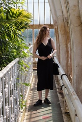 Summer R - And Other Stories Black Midi Dress - Midi Dress in Kew Gardens