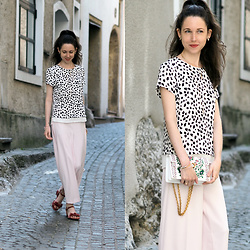 Claire H - Mime Et Moi Velvet Sandals, H&M Pink Pants, H&M Shirt, Tory Burch Gemini Link Shoulderbag - Jedermann in Salzburg
