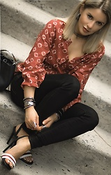 Isabel Alexander -  - Casual look for casual cooler days