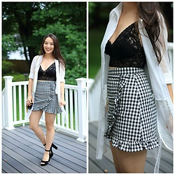 Kimberly Kong - Hanky Panky Lace Bralette, Chicwish Checkered Skort - The Must-Have Lace Bralette + 10 Ways to Wear
