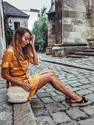 Vevas - Stradivarius Dress, H&M Sandals - Summer