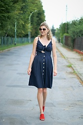 Kamila Krawczyk - Seamido Dress, Reserved Mules, Dresslily Bag, Tk Maxx Sunglasses - Navy midi dress