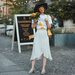 Esra E. - Zara Striped Kitten Heels, Furla Yellow Metropolis Bag, Ganni Banana Print Shirt - Dots skirt