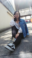 Juline Wen - Primark Denim Jacket, Romwe Flowery Top, Vans Sneakers - Boring day