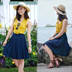 L Z - Vintage Sunhat, H&M Ruffle Top, Liz Claiborne Vintage Pleated Skirt, Massimo Dutti Sandals - Navy & Mustard