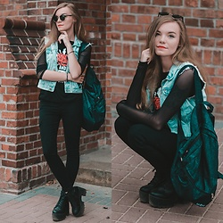Karolina N. - New Yorker Vest, Brytyjka Backpack, Rosegal Blouse, Betterlook Sunglasses - BACK TO SCHOOL LOOK