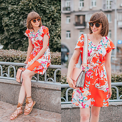 Christina & Karina Vartanovy - Pull & Bear Metal Sunglasses, Zapalstyle Floral Wrap Summer Dress, Asos Shoulder Bag With Wide Snake Detail, Asos Suede Tie Leg Sandals - Kristina // faded heart