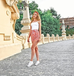 Marta - Sinsay Sneakers, Novashe Shorts, Reserved White Top, Forever 21 Hair Band - Little striped shorts
