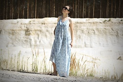 Ewa Macherowska - H&M Dress, New Yorker Slippers, Born 86' Sunglasses, Zaful Earrings - Blue Maxi