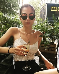 Katherine - Bershka Crop Top White Lace, Asos Skirt Long Cuts Out, Asos Sunglasses, Asos Vintage Style Necklace - Barcelona