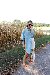 Anna Borisovna - Summer House Shirt, Mango Short, Massimo Dutti Schuhe, Asos Belt, Céline Sonnenbrille - The Summer House Shirt