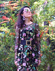 Maeva - H&M Dress, Sammydress Sunglasses, Zaful Earrings - Plastic!