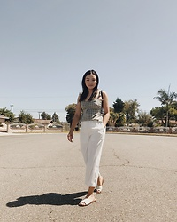 Haley D. - Abercrombie & Fitch Top, H&M White Pants, Dolce Vita Sandals - White pants