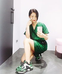 Dawn Kuo - Jamie Wei Huang Green One Piece, Naked Wolfe Chunky Sneaker, Viatory Choker - The Green 🔫