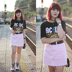 Carina Gonçalves - Pull & Bear T Shirt, Pull & Bear Skirt, Dr. Martens Boots - Like a fever Burning faster You spark the fire in me