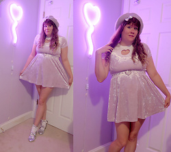 PastelKawaii Barbie - Ebay Lavender Beret Hat, Claries Iridescent Bow, Dog Heart Cut Out Top, Postmark Lavender Velvet Dress, Ebay Clear Heart Belt, Ebay Lavender Lace Socks, Cotton Candy Feet Holographic Tea Party Shoes - 💜Larme girl💜
