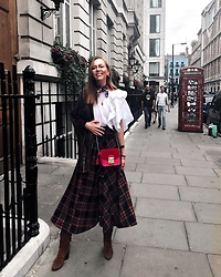 Karina Bogdan - Zara Skirt, Boots, Furla Bag, Top, Massimo Dutti Leather Jacket, Dolce & Gabbana Scarf - LFW