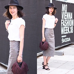 Claire H - Lyvem T Shirt, Edited Skirt, Perrin Paris Ball Bag, Mime Et Moi Shoes - Vienna Fashion Week