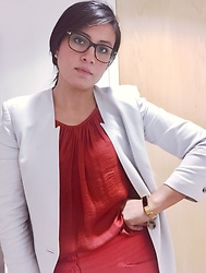 Catherine C - Helmut Lang Blazer, Ann Taylor Halter Top, Tom Ford Glasses - Turn it up/cool it down
