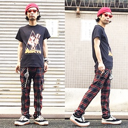 @KiD - Ca4la Red Beret, The Adicts Clock Work Orange, 666 Zipper Pants, Northwave Espresso, Vivienne Westwood Cigarettes Case - JapaneseTrash445