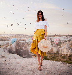 Viktoriya Sener - Chic Wish Skirt - YELLOW SKIRT