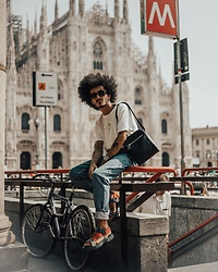 Marco Moura - Zara Sandals, Zara Jeans, Bershka T Shirt, Zara Bag - Can finally say: CIAO MILANO!